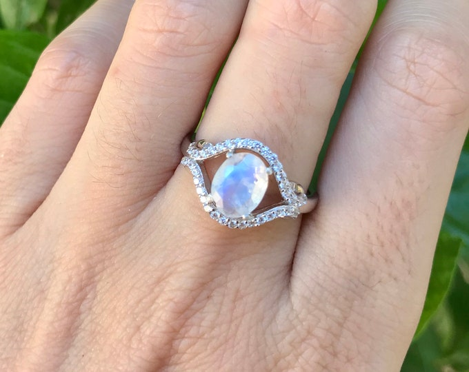 Moonstone Oval Engagement Ring- Rainbow Moonstone Halo Promise Ring- Moonstone Prong Solitaire Ring- June Birthstone Ring- Faceted Moonstone