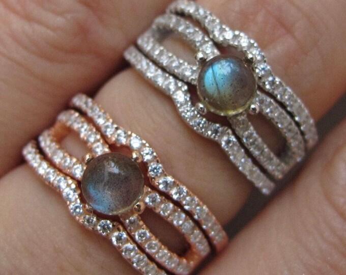 Round Labradorite Bridal 3 Ring Set- Cabochon Labradorite Engagement Ring Set- Split Shank Labradorite Prong Rings- Rose Gold Silver Ring