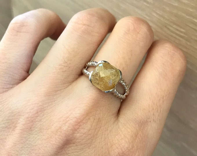 Rutilated Quartz Boho Ring- Golden Quartz Bohemian Ring- Golden Gemstone Statement Ring- Double Band Rope Ring- Square Minimalist Ring