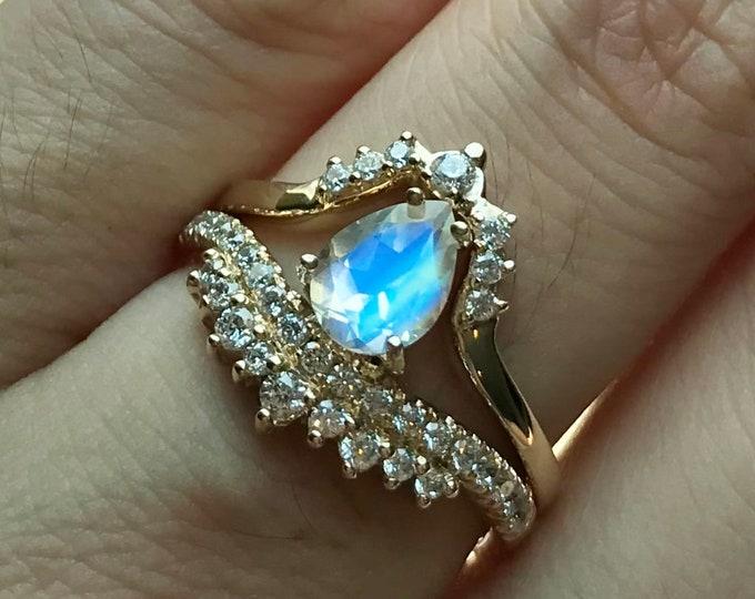 Moonstone Teardrop Wedding Ring Set- Moonstone Pear Bridal Ring Set- Unique Moonstone Engagement Ring with Matching Band-