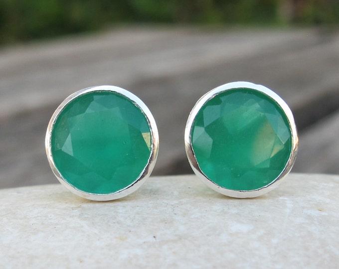 Round Green Stud Earring- Simple Green Onyx Earring- Boho Light Green Earring- Milky Green Everyday Stud- Bohemian Silver Stud Earring