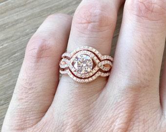 Twist Band Wedding Set- Rose Gold Engagement Ring- Halo Round Wedding Set Ring- Matching Band Engagement Ring- Rose Gold Bridal Set Ring