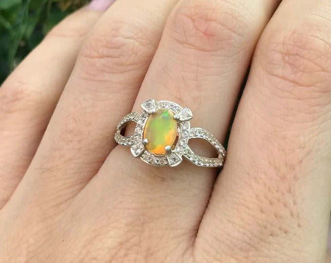 Opal Spilt Band Vintage Engagement Ring- Deco Genuine Opal Promise Ring- Oval Welo Opal Ring- October Birthstone Ring- Silver Ethiopian Ring