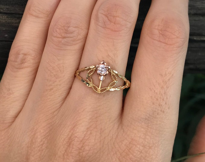 Gifts for Mom Floral Yellow Gold Ring- Rose Promise Ring for Her- Nature Inspired Dainty Two Tone Ring- Solitaire Flower Motif Ring