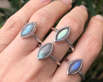Sterling Silver Labradorite Boho Ring- Labradorite Marquise Simple Stackable Ring- Handmade Bohemian Iridescent Ring- Color Change Mood Ring