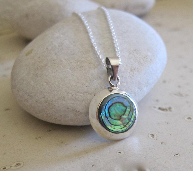 Abalone Necklace Shell Necklace Round Simple Iridescent Boho Gemstone Layering Minimal Pendant