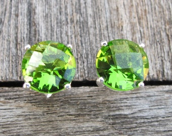 Classic Peridot Stud Earring- Round Faceted Peridot Earring- August Birthstone Earring- Sterling Silver Green Earring- Simple Prong Stud