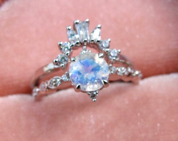 Moonstone Vintage Engagement Ring Set- Moonstone Bridal 2 Ring Set- Rainbow Round Moonstone Bridal Ring Set-Engagement Wedding Rings for Her