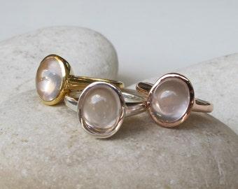 Oval Rose Quartz Ring- Rose Gold Pink Ring- Pink Gemstone Bezel Ring- Stackable Smooth Stone Ring- Pink Quartz Silver Ring- Pink Gold Ring