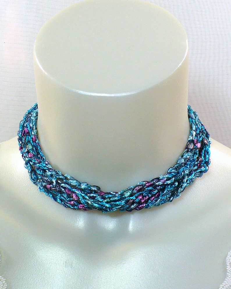 Blue /& Pink Ladder Yarn Necklace Woman/'s Necklace Fiber Jewelry Gifts for Her Vegan Necklace Lariat Necklace Crocheted Ribbon Necklace
