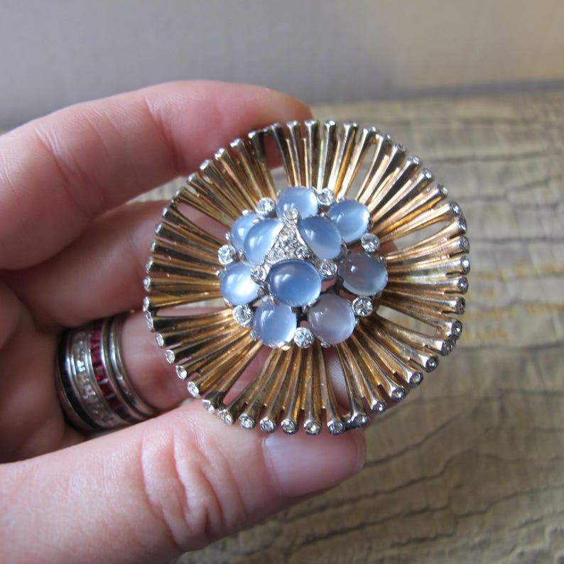 NUOVA Argento Anticato Tono austriaco di cristallo Rose Fiore Spilla in confezione regalo
