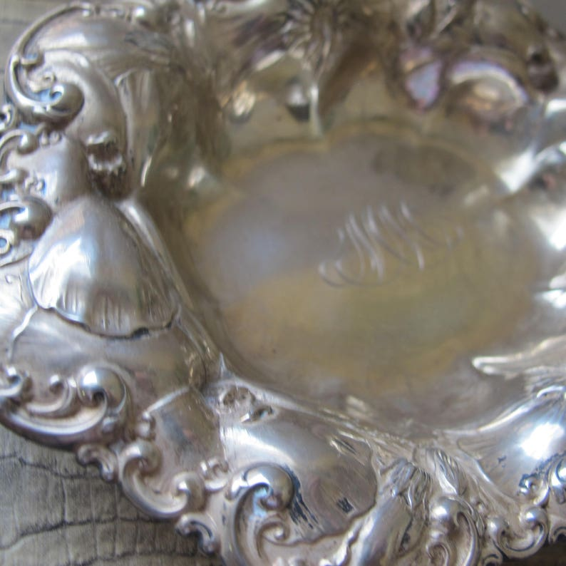 Bonbon Dish Bowl,Engraved Monogram MM or WW Hallmarked /& Stamped Sterling 6202 Signed Whiting Bros Sterling Silver Repousse Floral Dish
