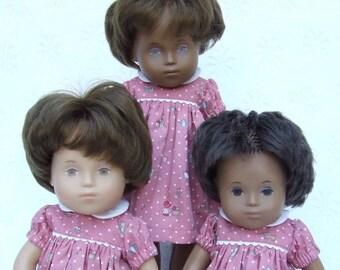 Kurzen Ärmeln Polka Dots und Kinder Druck Kleid oder Strampler für Sasha Toddler, Baby oder Müller Wichtel 30 / 32cm Puppe