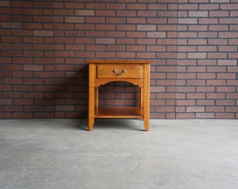 Ethan Allen Country Crossings End Table ~ Chairside Table