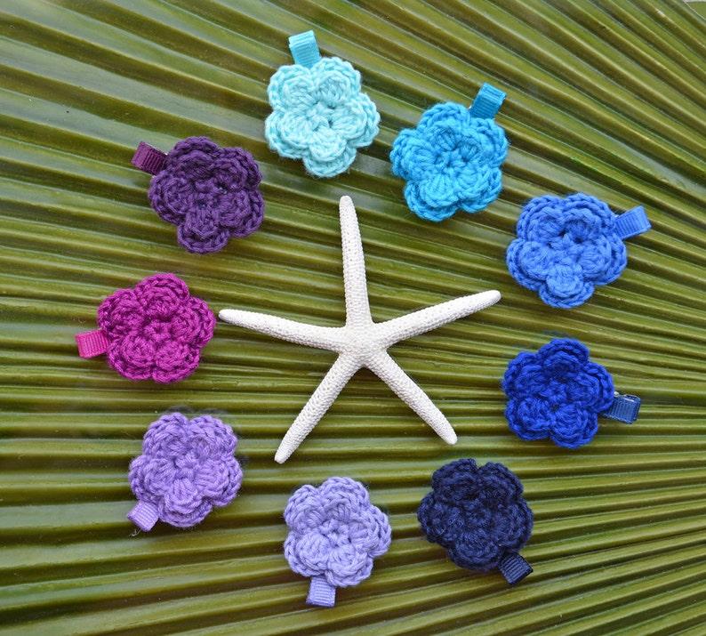 Forget-Me-Not Crochet Flower Alligator Clip // 2-Layer Crochet image 0