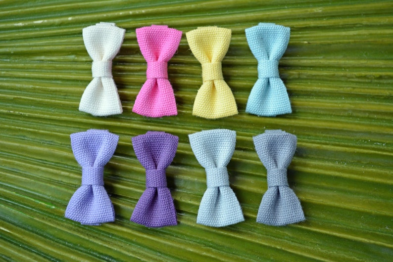 Modern Bow Fettuccia Italian Ribbon Mini Alligator Clip // image 0