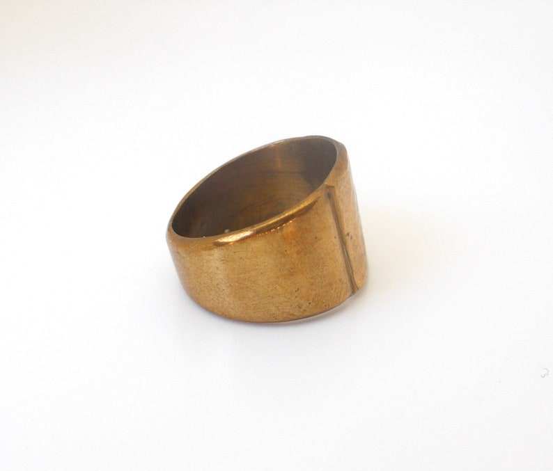 Vintage Ring Hammered Accent Gold Tone Size 8 CIJ