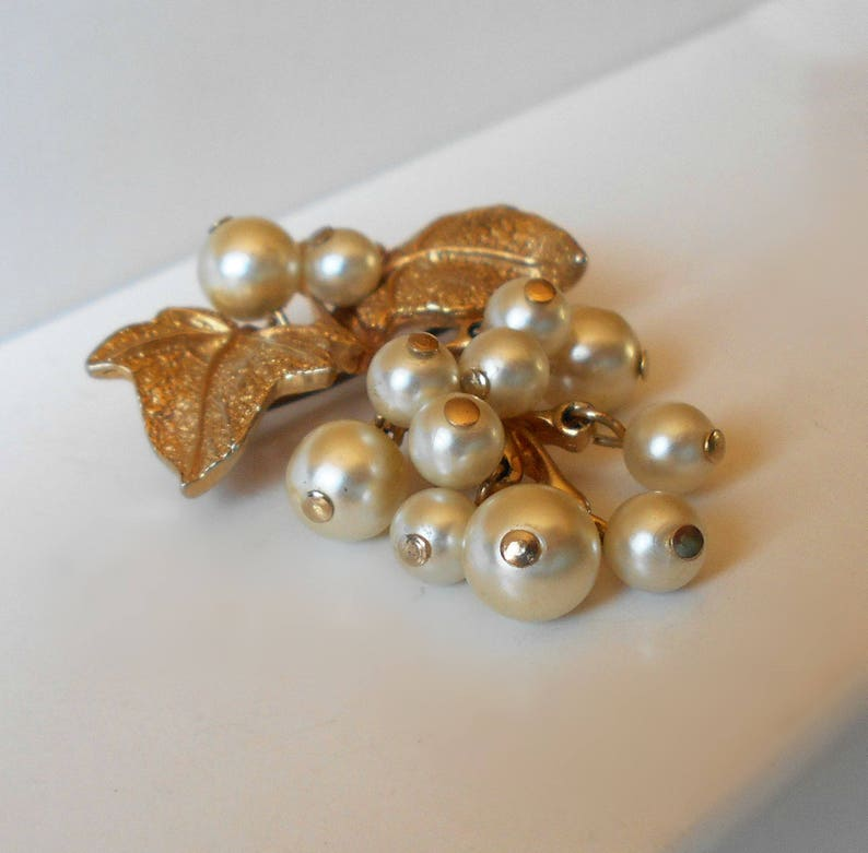Vintage Pearl Grape Cluster Brooch Pin articulated