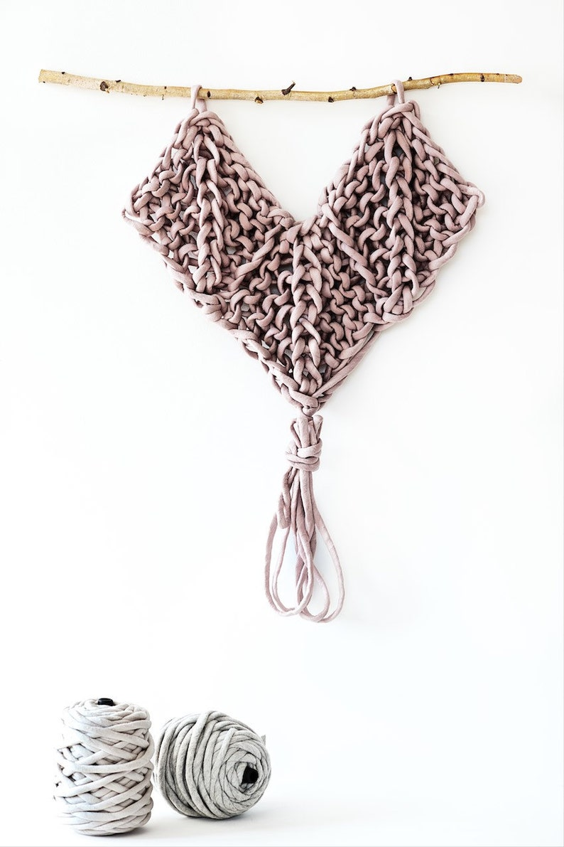 Wall Hanging Pattern Knitted Heart image 0