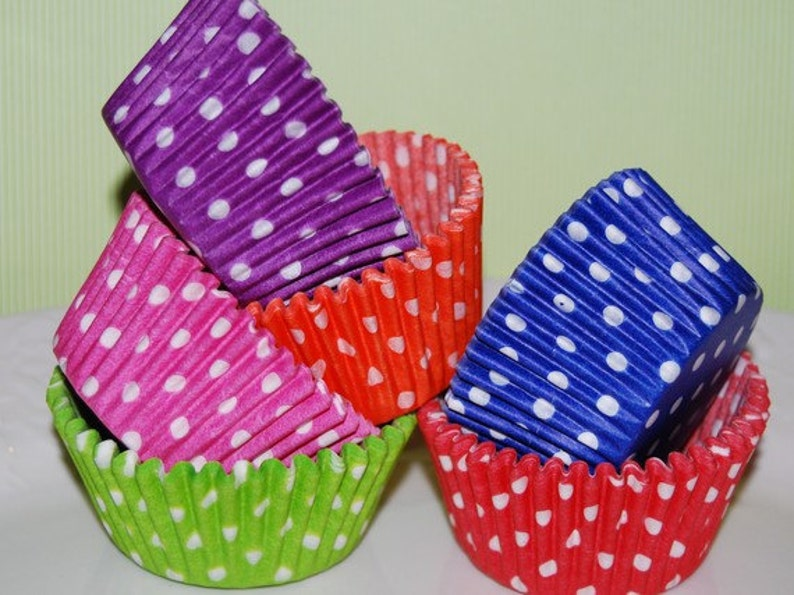 standard size red polka dot cup cake liners 50 count grease proof baking cups muffin cups