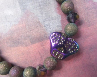 Multicolor Glass Skull Bead Stretch Bracelet with Textured Beads
