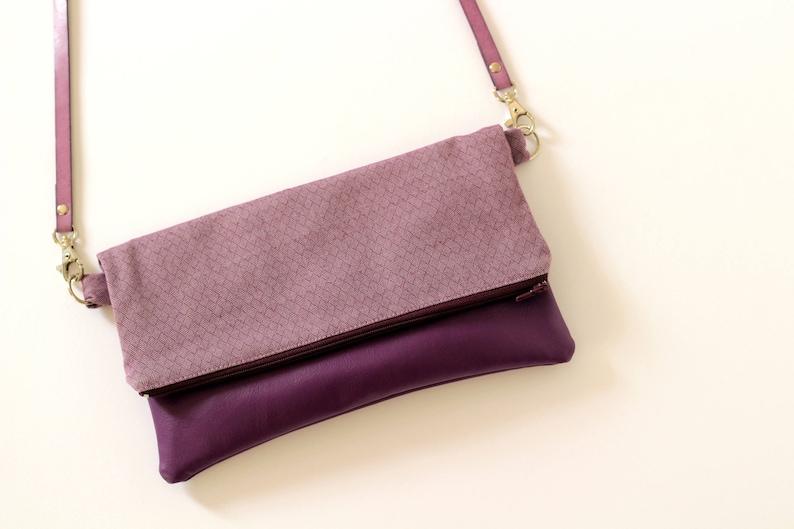 2194edfca Bolso mujer lila clutch de color lila bolso de mano morado | Etsy
