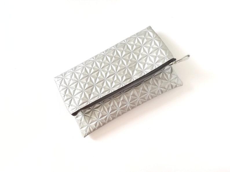 9675022d1 Bolso plateado clutch fiesta bolso de mano plata bolso | Etsy