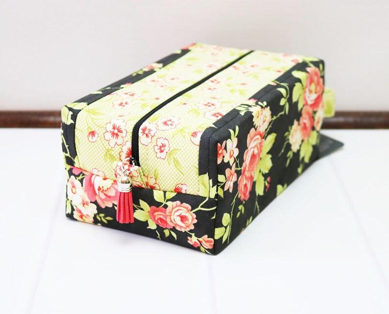 Travel Makeup Bag Floral Zipper Bag Knitting Project Bag image 0