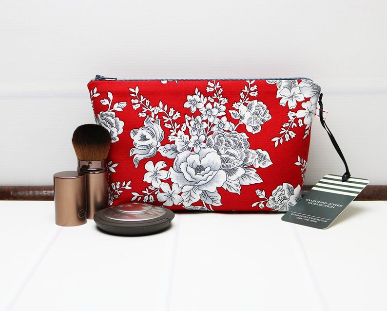 Small Makeup Bag  Red Fabric Cosmetic Bag  Small Zipper image 0