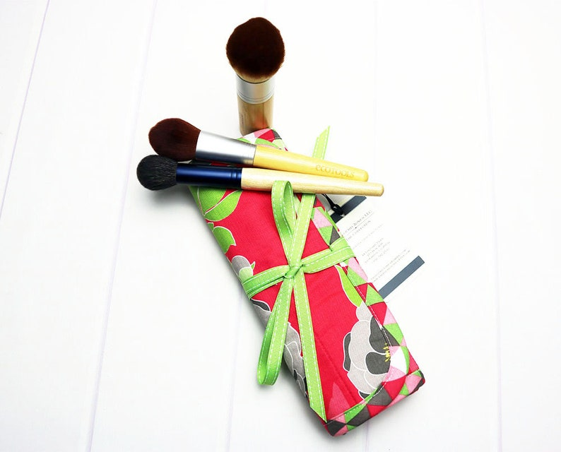 Floral Makeup Brush Roll with Ribbon Tie Makeup Brush Holder image 0