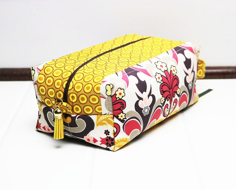 Travel Toilet Bag  Floral Box Pouch  Womens Toiletry Bag  image 0