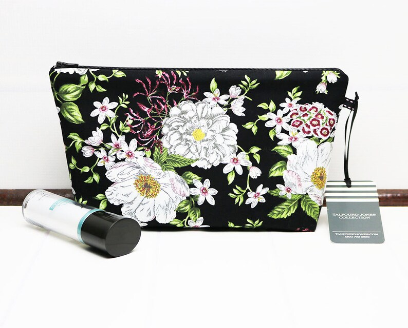 Medium Makeup Pouch  Floral Makeup Bag  Zipper Cosmetic Bag image 0