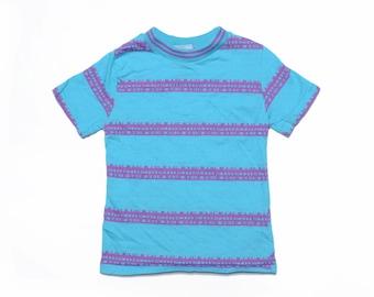 41f41dbc5 Vintage 90's KIDS Tribal Striped Surf T-Shirt Sz S