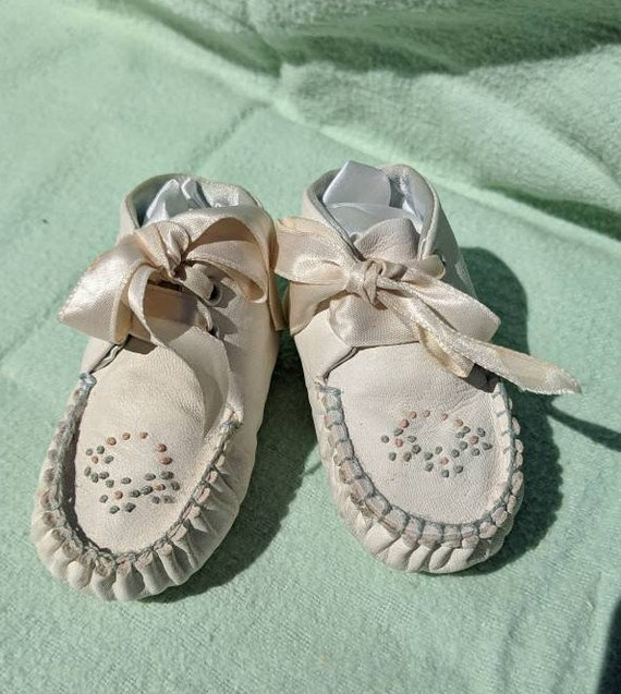 Crib Shoes for baby,by Leada,small, leather bootie
