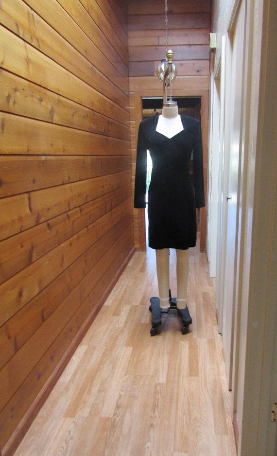 Vintage Dress Black Stretch Velvet Sweetheart Neck