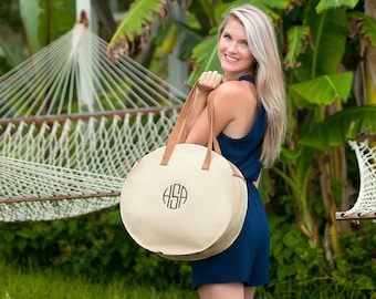 Natural Bungalow Round Tote