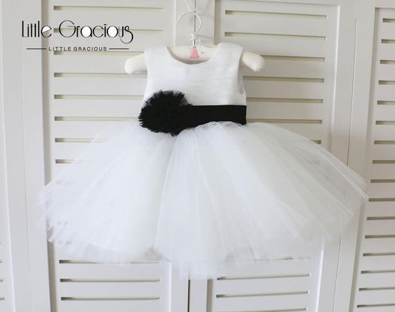 f3b128bacf40 Black white Basic Style Baby Girl Dress for WeddingInfant
