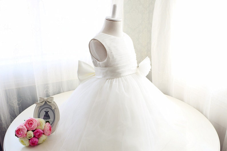 9959d1db5523 Ivory Flower Girl Dress Baby Girl Dress for Birthday Party