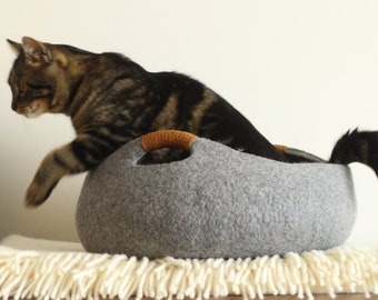 Cat bed/cat house/cat cave/basket felt cat bed