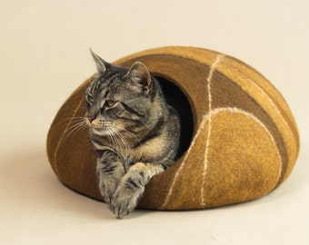 Cat bed/cat cave/cat house/brown felted cat cave