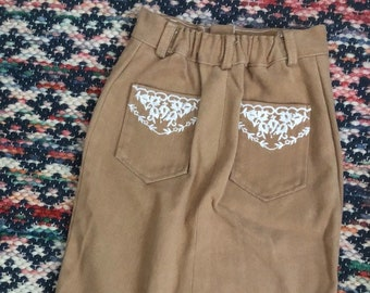 1970s girls western style denim pencil skirt with embroidered pockets sz 10/12