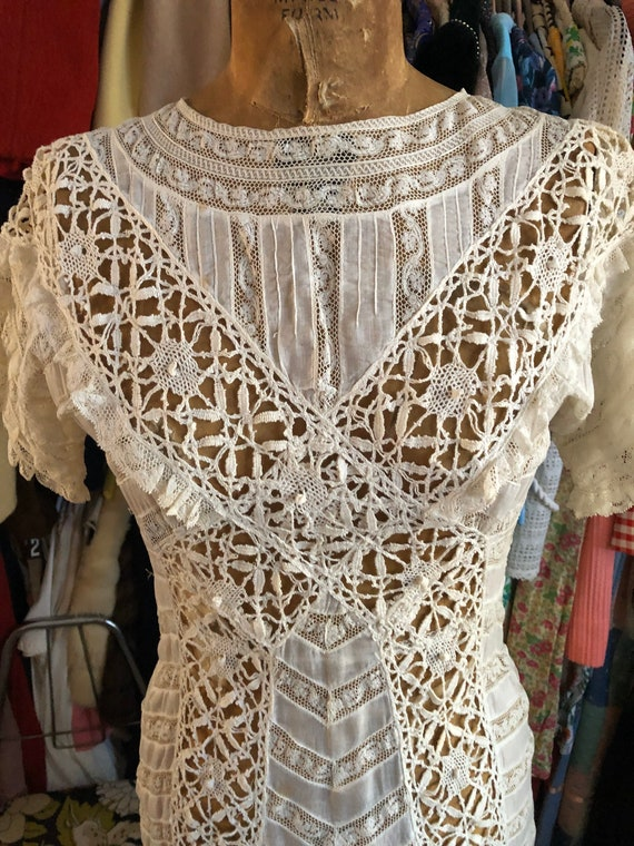 1900s/1910s Edwardian white lace and cotton lawn d