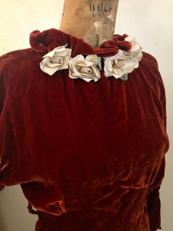 1930s deep brick velvet cold shoulder maxi dress … - image 3