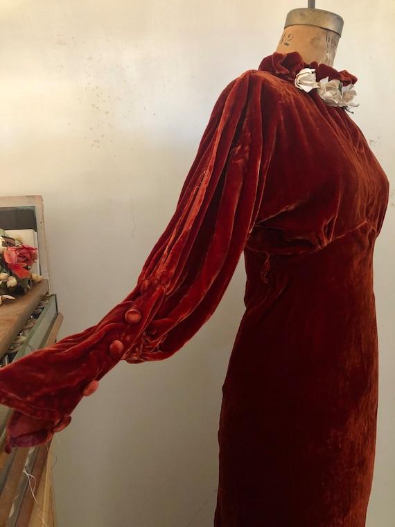 1930s deep brick velvet cold shoulder maxi dress … - image 4