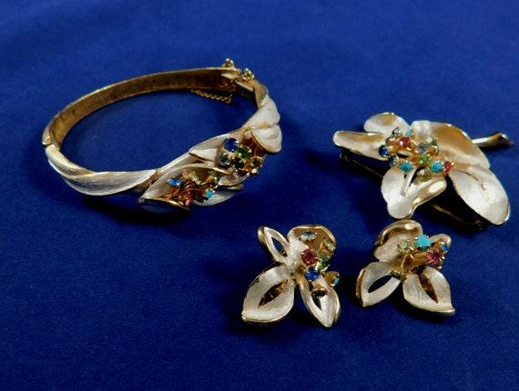 Kramer New York 4 Piece Jewelry Set, Brooch Clip o