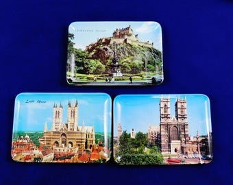 Melamine 3 Small Trays, English Photo Scenes, The Castle of Edinburgh, Lincoln Minster and the 3rd Has Big Ben, A Pavo Italy, Tip Trays