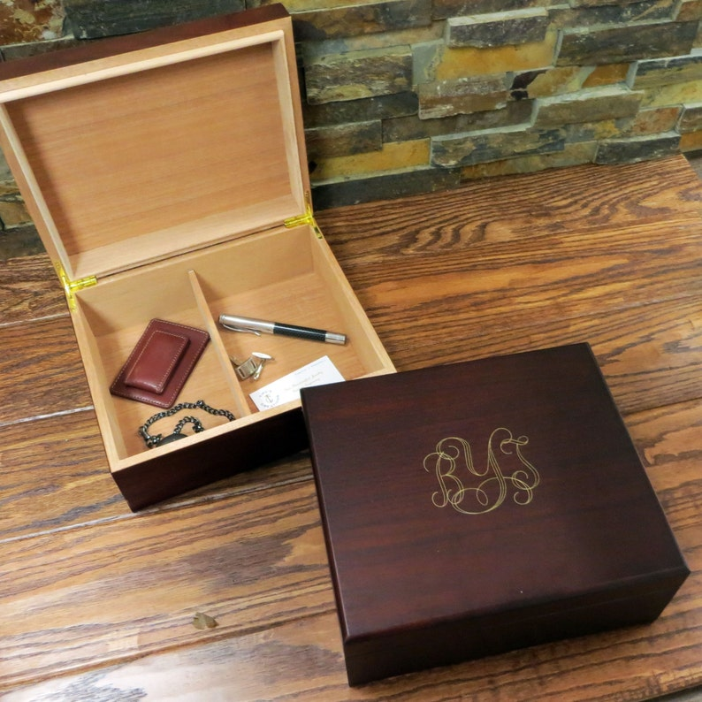 Personalized Mens Keepsake box Mans Gift Father's Gift image 0