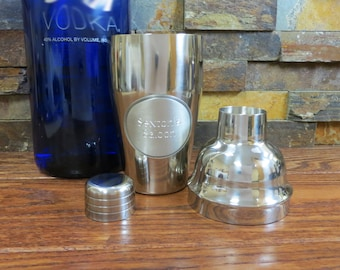 Cocktail Shaker w/Pewter Medallion - Personalized - Engraved Gifts for Groomsmen (871)