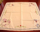 Vintage Card Table Tablecloth Adorable Scottie Dogs Greet you at Each Corner 29 quot square white cotton with colorful embroidery trim
