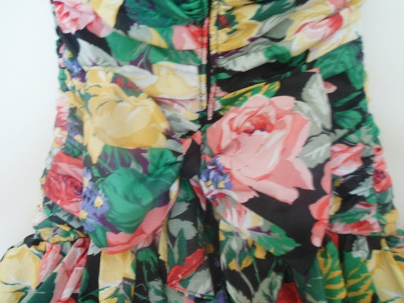 1980s Ruffle floral party dress - image 3